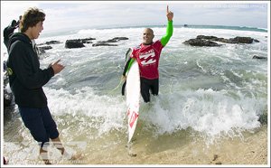 Kelly Slater Wins Billabong Pro JBay